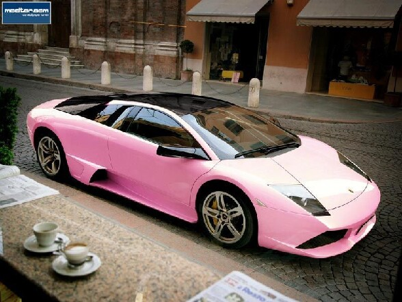 La Lamborghini de Barbie, rose bien sur ! - barbie lamborghini rose