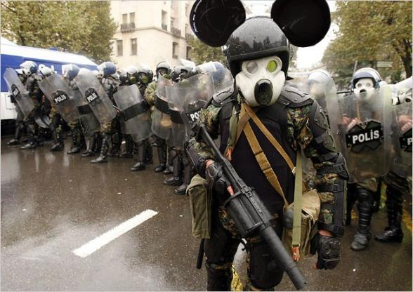 Mickey contre attaque ! - mickey mouse attack